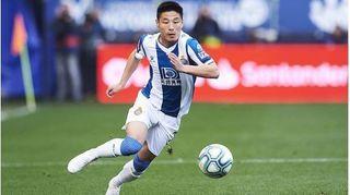 Cầu thủ được mệnh danh là 'Ronaldo Trung Quốc' nhiễm Covid-19