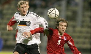Thử việc thất bại, cựu cầu thủ U21 Đức nhận xét 'phũ' về bóng đá Việt Nam