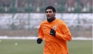 Cựu cầu thủ của MU Fellaini nhiễm Covid-19 tại Trung Quốc