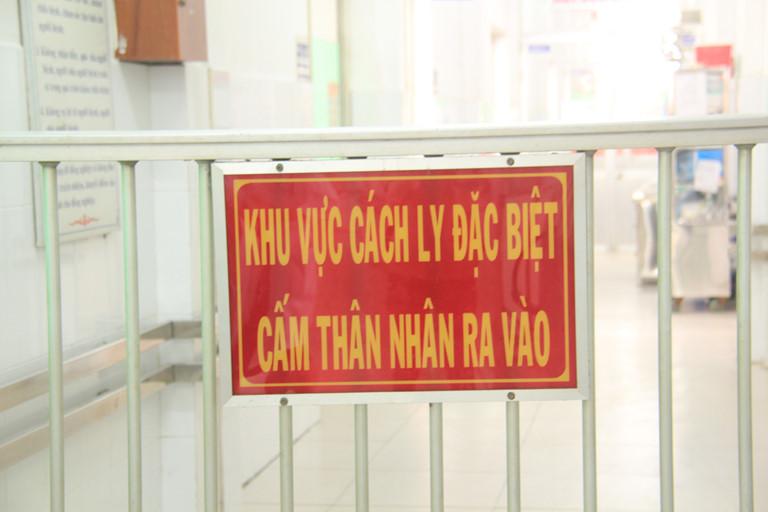 Nóng: Việt Nam có 1.643 ca nghi ngờ mắc Covid-19, hơn 44.000 người theo dõi y tế