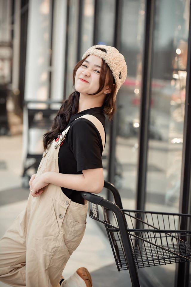 Nữ sinh xinh đẹp từng gây bão mạng xã hội3