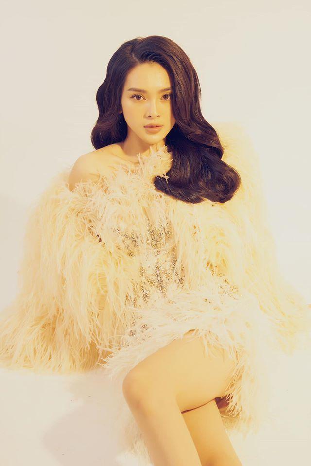 Người mẫu Quỳnh Lương khoe vẻ đẹp không tì vết trong bộ ảnh mới lạ2