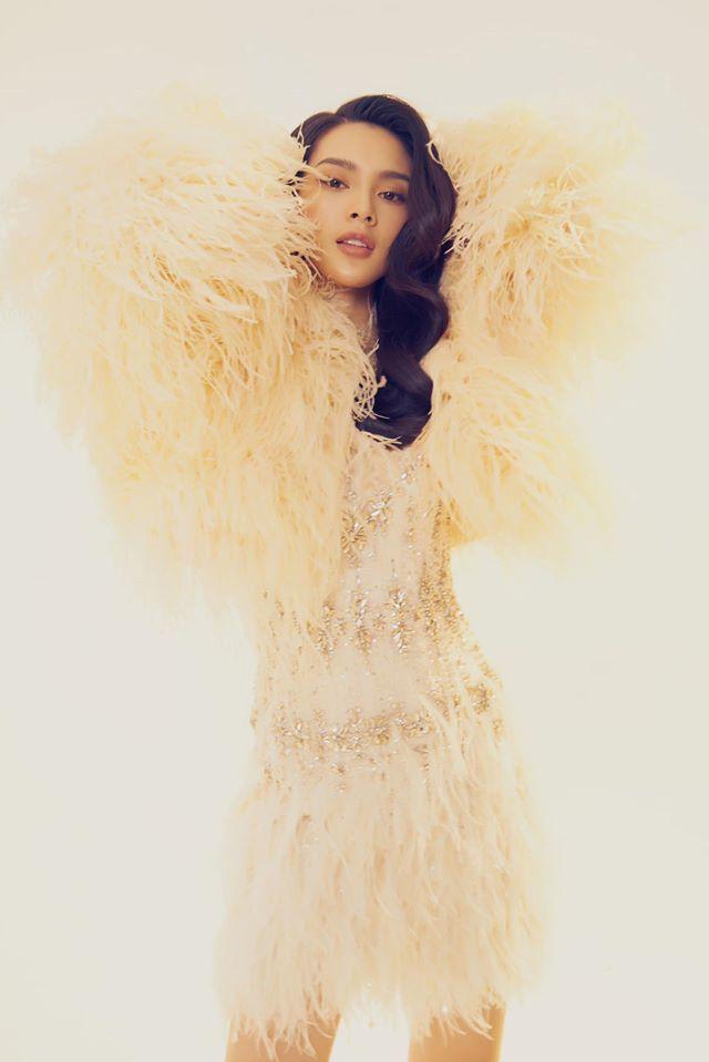 Người mẫu Quỳnh Lương khoe vẻ đẹp không tì vết trong bộ ảnh mới lạ10