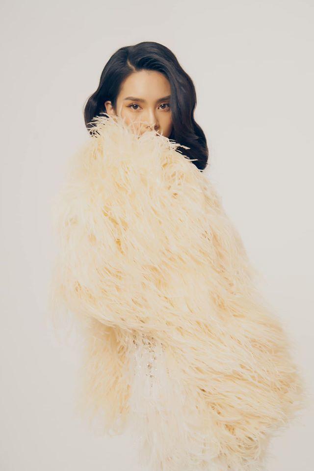 Người mẫu Quỳnh Lương khoe vẻ đẹp không tì vết trong bộ ảnh mới lạ8