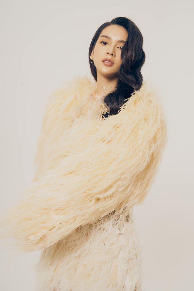 Người mẫu Quỳnh Lương khoe vẻ đẹp không tì vết trong bộ ảnh mới lạ7