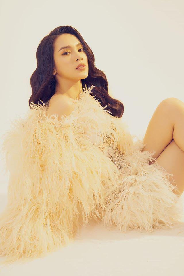 Người mẫu Quỳnh Lương khoe vẻ đẹp không tì vết trong bộ ảnh mới lạ6