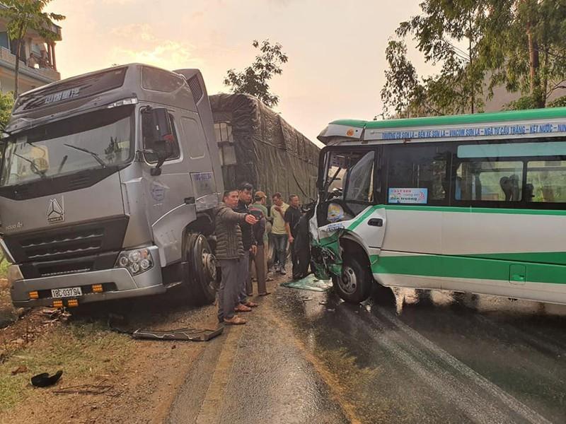 Kinh hãi hai vụ tai nạn liên tiếp ở Sơn La khiến nhiều người bị thương