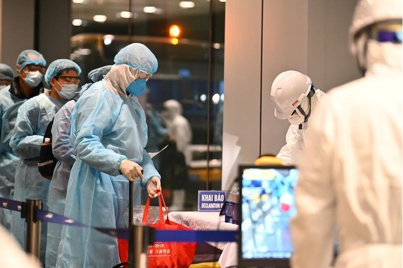 Thêm 7 chuyến bay đến Việt Nam có người nhiễm Covid-19