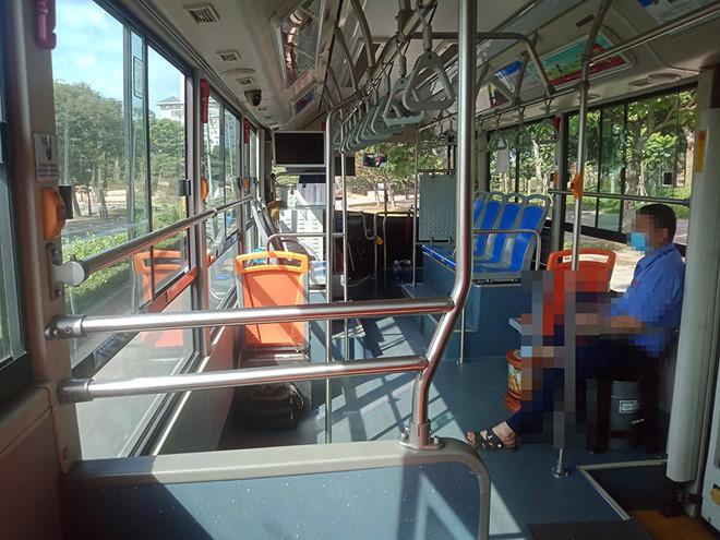 Xe buýt, xe khách liên tỉnh không được chở quá 20 người mùa Covid-19