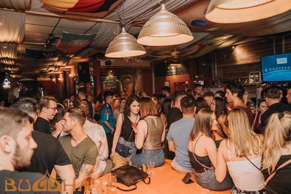 Đã lấy mẫu xét nghiệm gần 100 người đến ổ dịch Covid-19 tại quán bar Buddha