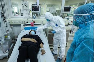 Lý do bệnh nhân số 17 có 3 lần âm tính vẫn chưa được ra viện