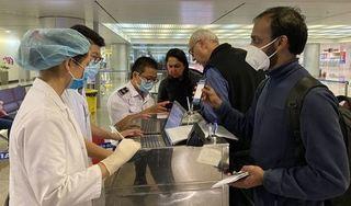 TP.HCM hỗ trợ người nước ngoài về nước nếu âm tính Covid-19