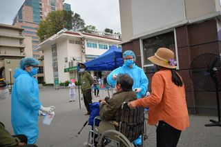 Thủ tướng chỉ đạo xử lý nghiêm 'bệnh nhân đưa cơm' trong BV Bạch Mai vì khai báo thiếu trung thực