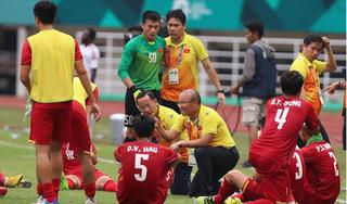 HLV Mai Đức Chung lo lắng cho thầy trò Park Hang Seo