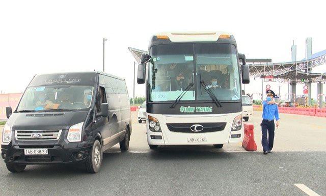 Quảng Ninh dừng xe buýt, taxi và vận tải khách đường thủy nội địa đến Hải Phòng