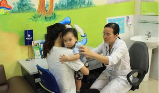 Chuyên gia 'mách' bố mẹ những điều quan trọng cần lưu ý khi tiêm vaccine cho bé