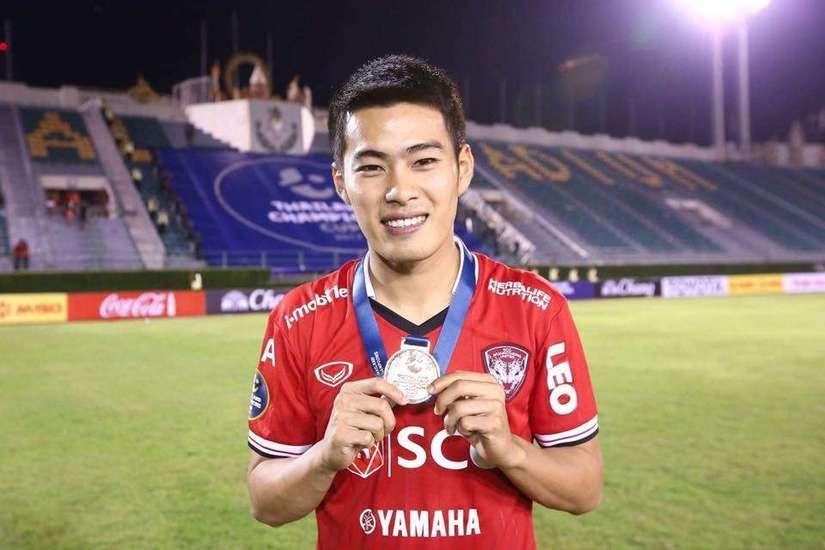 Sự thật bất ngờ việc tuyển thủ Thái Lan sang V.League thi đấu