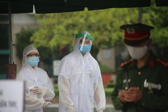 Lãnh đạo bệnh viện Bạch Mai xin lỗi vì ổ dịch Covid-19