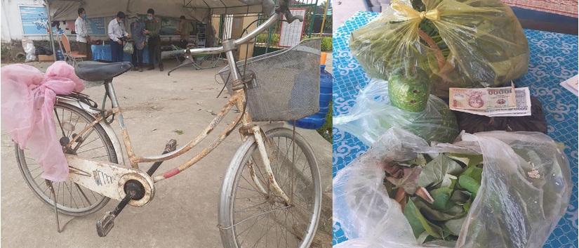 Nghẹn ngào hình ảnh cụ ông 90 tuổi đạp xe đến khu cách ly ủng hộ chống dịch Covid-19