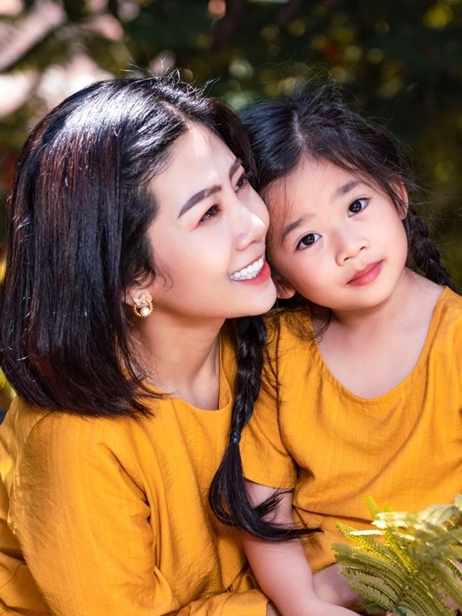 Mắng xối xả khi con gái lâm trọng bệnh, mẹ Mai Phương gây phẫn nộ cộng đồng mạng