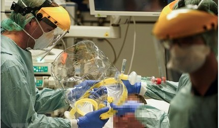 Tin tức thế giới 1/4: Bệnh nhân Covid-19 nhỏ tuổi nhất châu Âu tử vong ở Bỉ
