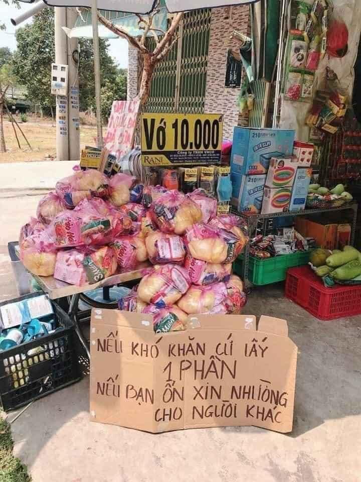 Xúc động trước những hình ảnh đẹp của người dân Việt giữa mùa dịch Covid-19