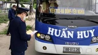 Bắt giữ xe khách Nam Định vẫn chở khách bất chấp lệnh cấm