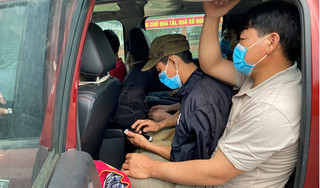 Bắt xe bán tải chở 6 người ở Quảng Trị vượt biên để trốn cách ly