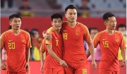 Báo Trung Quốc tức giận khi cầu thủ nước nhà không được báo Tây Ban Nha vinh danh