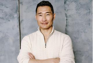 Tài tử 'Người nhện' Daniel Dae Kim mất khứu giác và vị giác trong thời gian cách ly