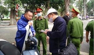 Từ ngày mai, Hà Nội sẽ xử phạt người ra đường không có việc cần thiết