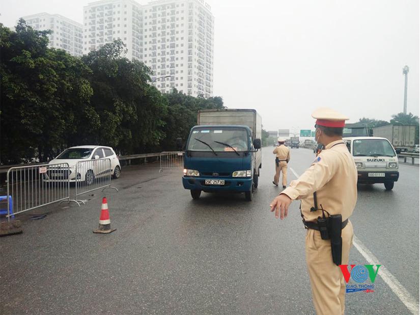 Phát hiện 7 tài xế có thân nhiệt cao bất thường các cửa ngõ ra vào Thủ đô