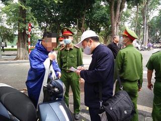 Hà Nội: Tập trung đông người nơi công cộng có thể bị phạt 10 triệu/người