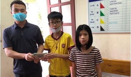 Học sinh lớp 7 ở Hà Tĩnh tìm trả lại cho người đánh rơi 50 triệu đồng