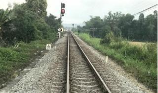 2 nữ sinh mải chụp ảnh tự sướng ngã vào đoàn tàu hỏa tử vong