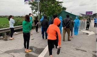 Bất chấp lệnh cấm, xe khách vẫn chở 30 người từ miền Nam ra Hà Nội