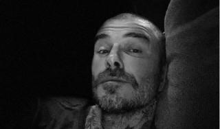 David Beckham cạo trọc đầu,  kêu gọi chống dịch Covid-19