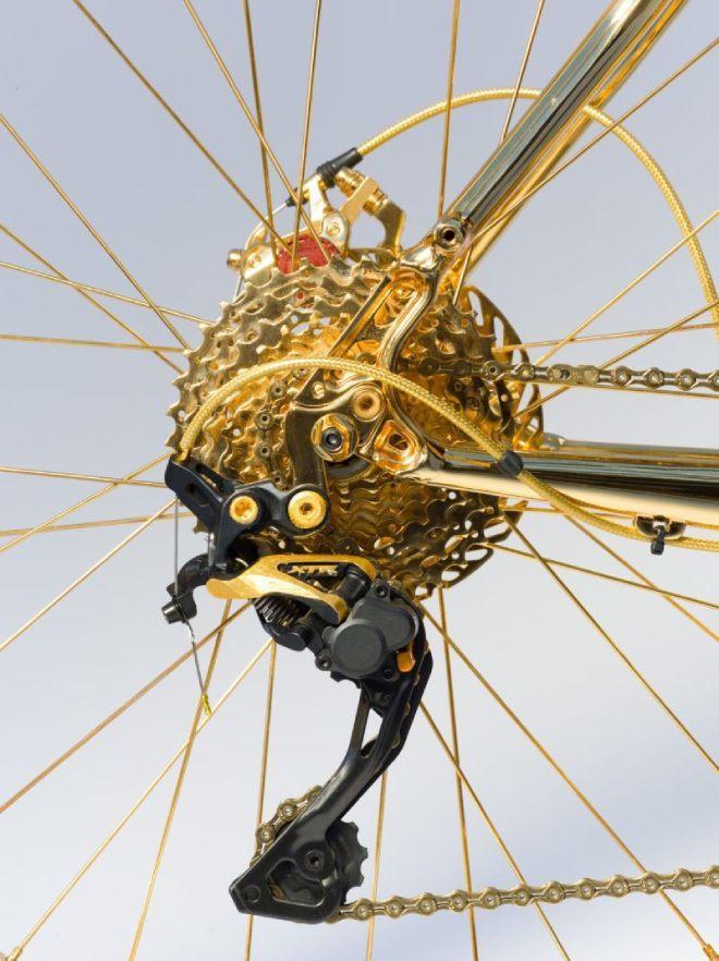 Lóa mắt xe đạp leo núi bằng vàng giá 1 triệu đô, nạm 600 hạt kim cương3