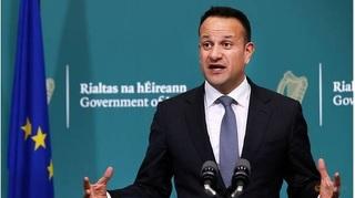 Thủ tướng Ireland quay lại nghề bác sĩ để tham gia chống Covid-19