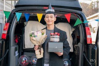 Park Seo Joon chia sẻ hình ảnh hậu trường thú vị sau khi kết thúc 'Tầng lớp Itaewon'