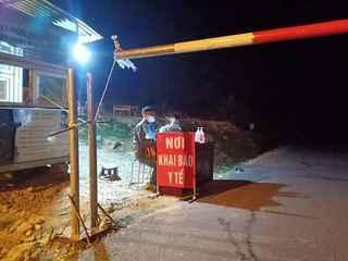 Lào Cai: Chưa tìm được 15 người đi cùng xe khách với bệnh nhân Covid-19