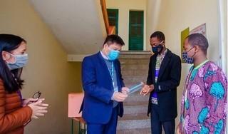 Lưu học sinh quốc tế xin ở lại Việt Nam giữa mùa dịch Covid-19