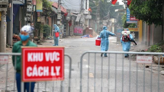 Phát hiện thêm 2 ca dương tính liên quan bệnh nhân 243, Hà Nội phong tỏa cả thôn Hạ Lôi 2