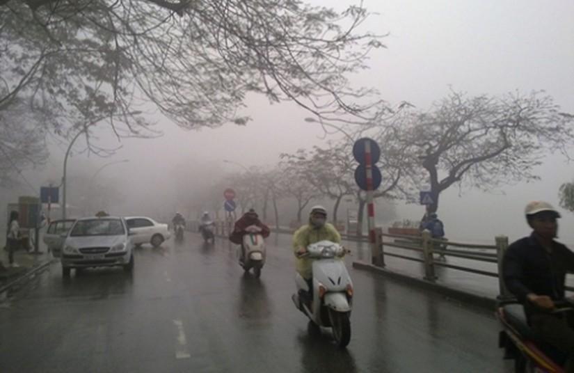 Tin tức thời tiết ngày 8/4/2020, khu vực Hà Nội có mưa, trời rét