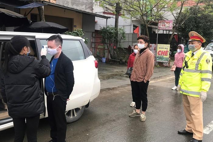 Lạng Sơn xử phạt nặng xe khách vẫn hoạt động trong mùa dịch