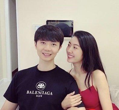 Á hậu Thúy Vân công khai khoe ảnh tình cảm bên chồng doanh nhân sắp cưới