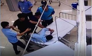 Tài xế hành hung nhân viên bệnh viện rồi bỏ đi và tiếp tục tông chết người