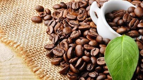Giá cà phê hôm nay ngày 10/4, Việt Nam và thế giới giảm mạnh