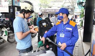 Giá xăng dầu hôm nay 10/4: Giảm mạnh cả trong nước và thế giới?
