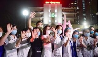 Bệnh viện Bạch Mai hết phong tỏa, tái khám vào tháng 5